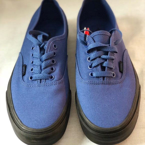 Vans Authentic Black Sole True Navy Blue Skate NWT